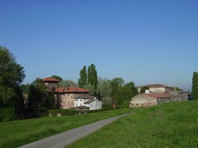 Veduta dall'argine del fiume Adige